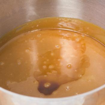 caramel sauce with vanilla