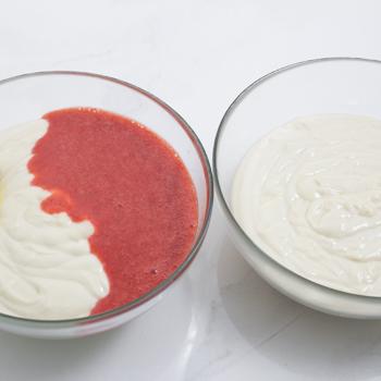 Berry Vanilla Swirl Cake - how to  (2 of 11)