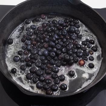blueberries in skillet