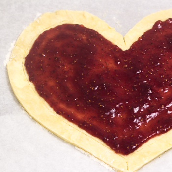 Heart-Shaped Galette - how to (10 of 15)