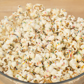 Popcorn finished with sprinkles in a bowl.