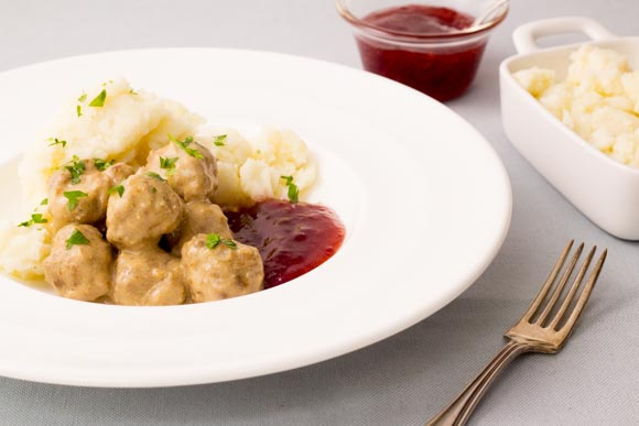 swedish meatballs served with cranberry sauce