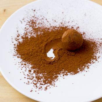 Truffle coated in cocoa powder