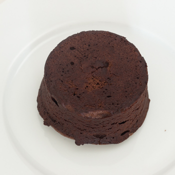 un-plated cake