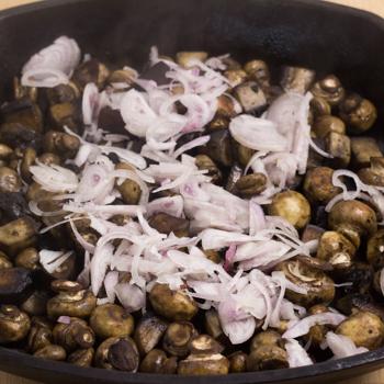 mushrooms and shallots
