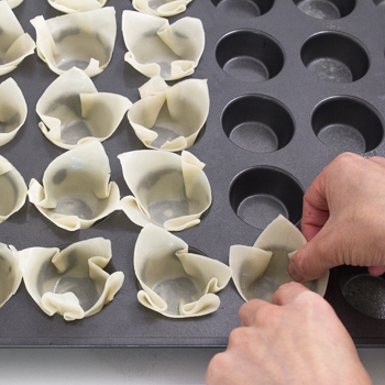 Spinach Artichoke Wonton Cups - how to (2 of 10)