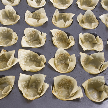 Spinach Artichoke Wonton Cups - how to (3 of 10)