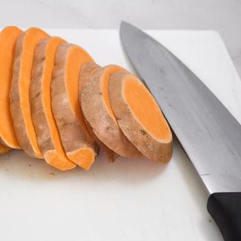 slicing the yam