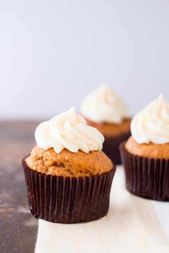 pumpkin cupcakes hero-